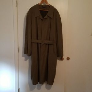Stafford Men's Trench Coat. 46 Long, Lightly Used